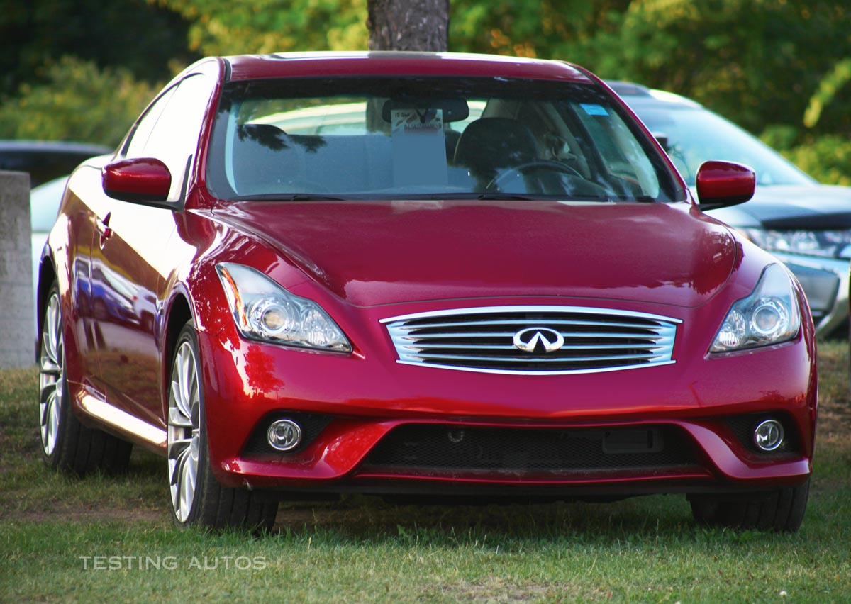 The infiniti g35 coupe shares its rear wheel drive platform with the nissan 350z but it s more refined and comfortable which makes it more suitable as a